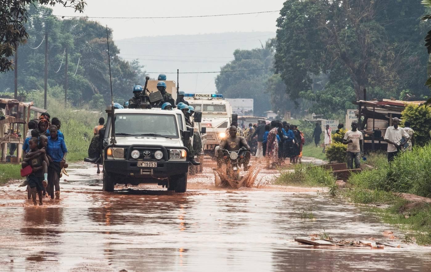 YK:n rauhanturvaajat partioivat Keski-Afrikan tasavallassa. Kuva: YK-kuva/Eskinder Debebe.