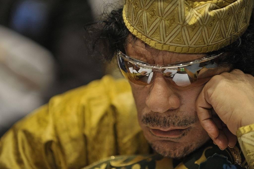 Muammar Gaddafi hallitsi Libyaa vuosina 1969-2011.(Foto: US Navy Photo/Jesse B. Awalt via Wikimedia)