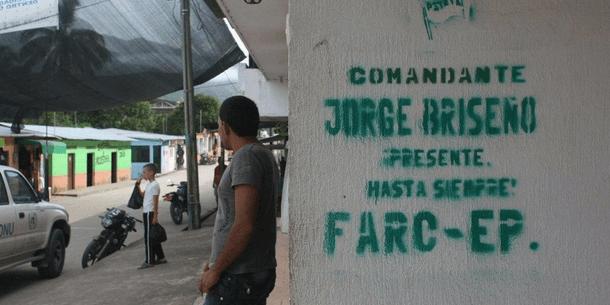 FARC-järjestön graffitit kertovat sen läsnäolosta. Kuva: IRIN / Obinna Anyadike