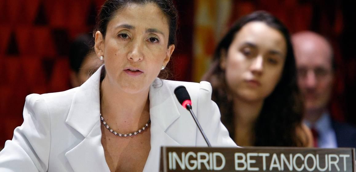 Ingrid Betancourt Pulecio puhuu YK:ssa. Kuva: UN Photo/Paulo Filgueiras
