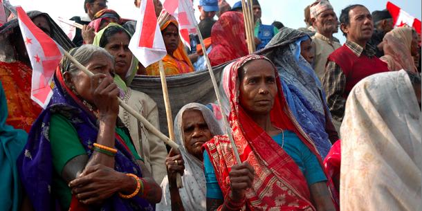 Madheshi-yhteisön jäsenet osoittavat mieltään Biratnagarissa vuonna 2008. Tavoitteenaan heillä on autonomiset itsehallintoalueet ja suurempi edustuksellisuus parlamentissa.