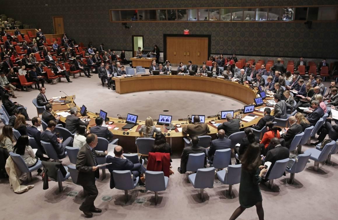 YK:n turvallisuusneuvosto käsittelee Ukrainan tilannetta 11. joulukuuta 2015. Kuva:Un Photo/Evan Schneider