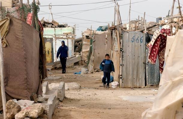 Sahrawialaiset Dakhlan pakolaisleirillä Länsi-Saharan naapurimaassa Algeriassa (Kuva: UN Photo/Evan Schneider).