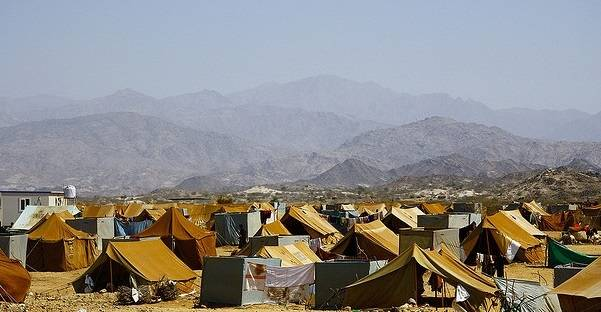 Tuhannet ihmiset ovat joutuneet jättämään kotinsa konfliktin seurauksena. Mazrak leirillä majoittui noin 10 000 pakolaista vuonna 2009. Kuva: Annasofie Flamand/IRIN/Flickr