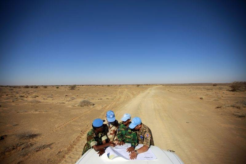 MINURSO-sotilaita Länsi-Saharassa. Kuva: Martine Perret/UN Photo